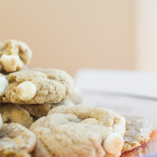 White Chocolate Cookies with Cinnamon
